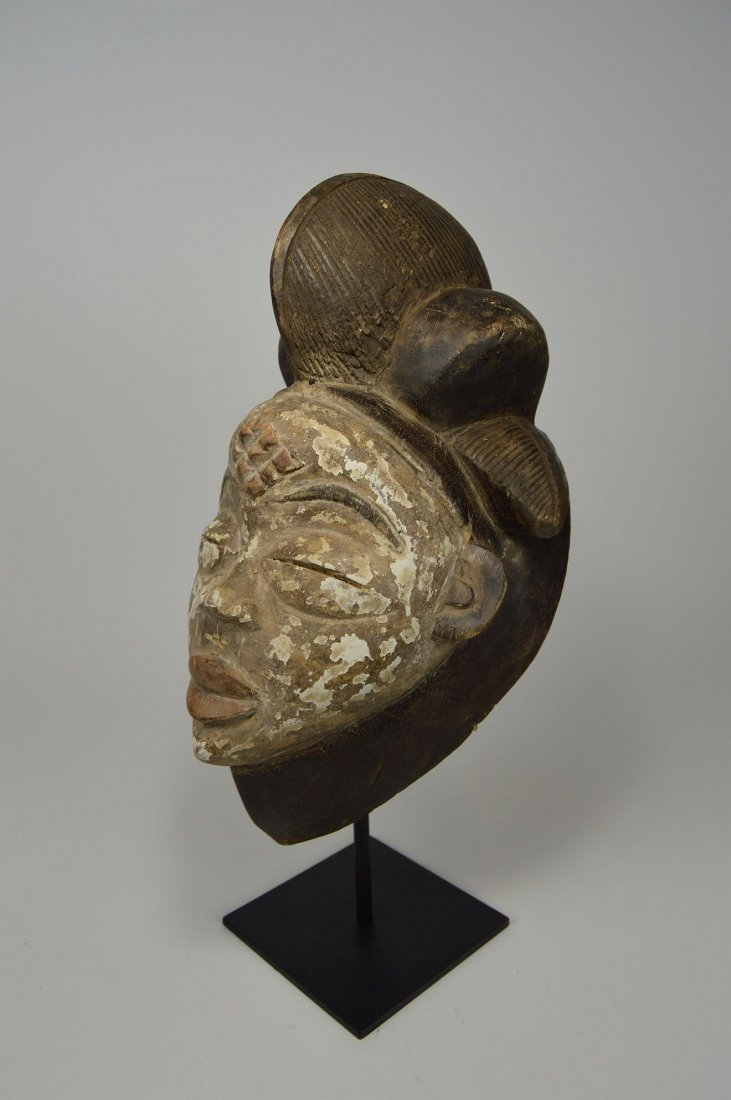A Punu African mask - 6
