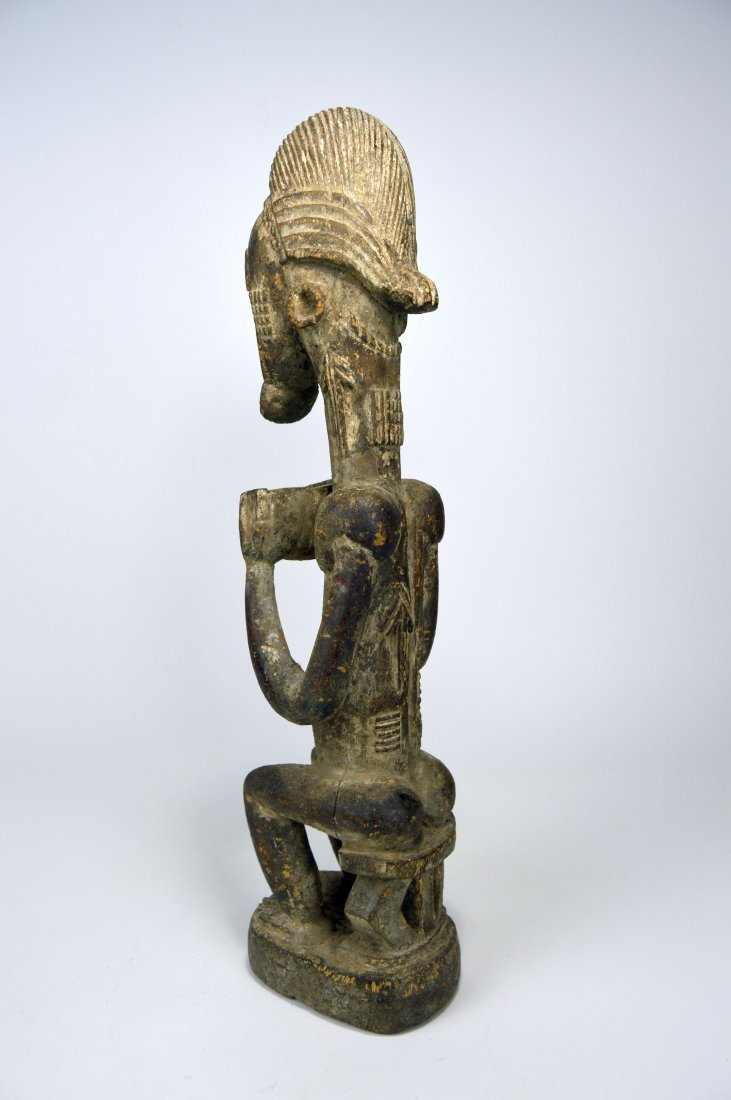 Carved wooden male ancestor with offering bowl - 5