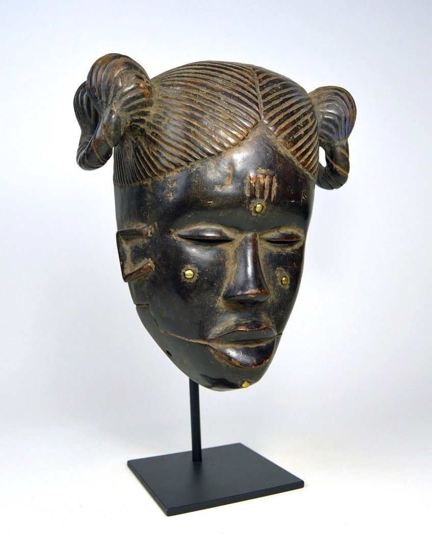 Vintage Ibibio Mask with elaborate coiffure - 2