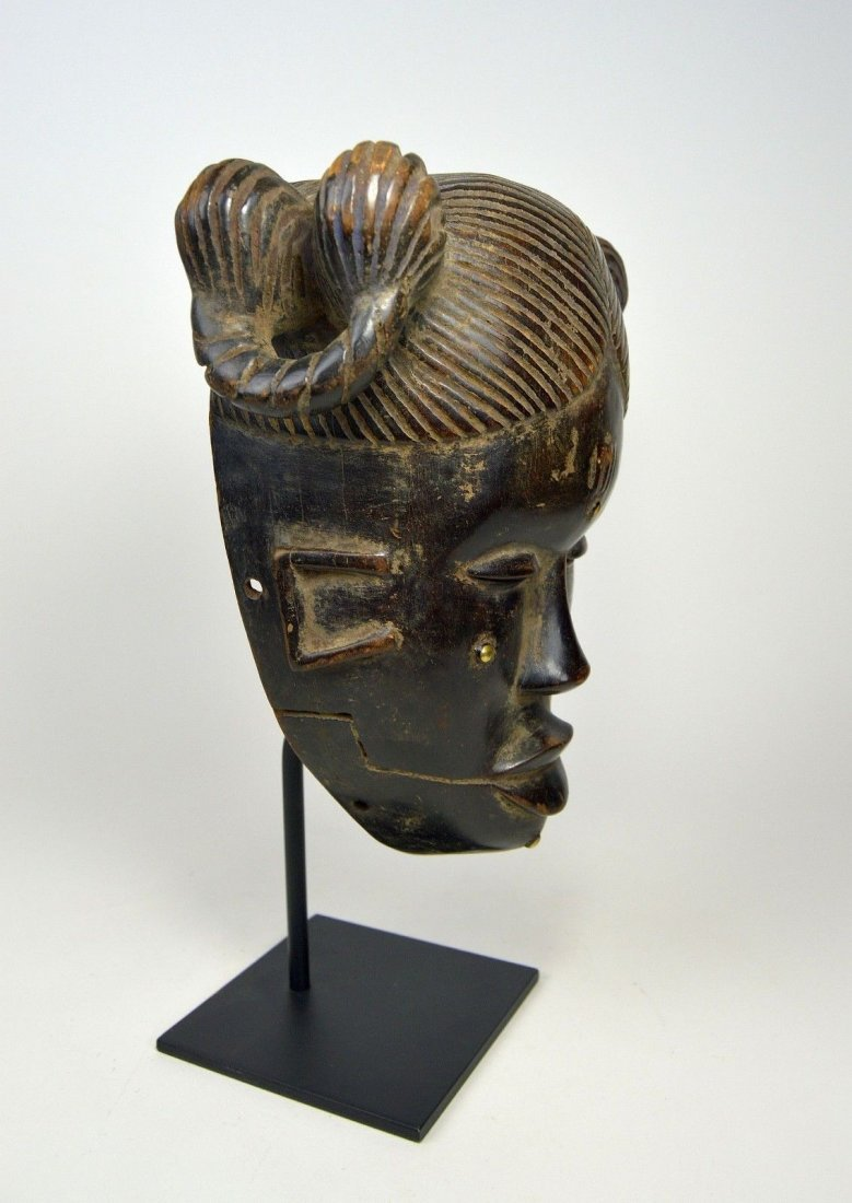 Vintage Ibibio Mask with elaborate coiffure - 6