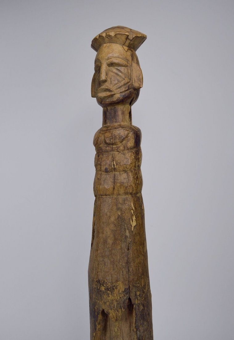 Eroded Old Lobi / Dagari Post figure, African Art - 2