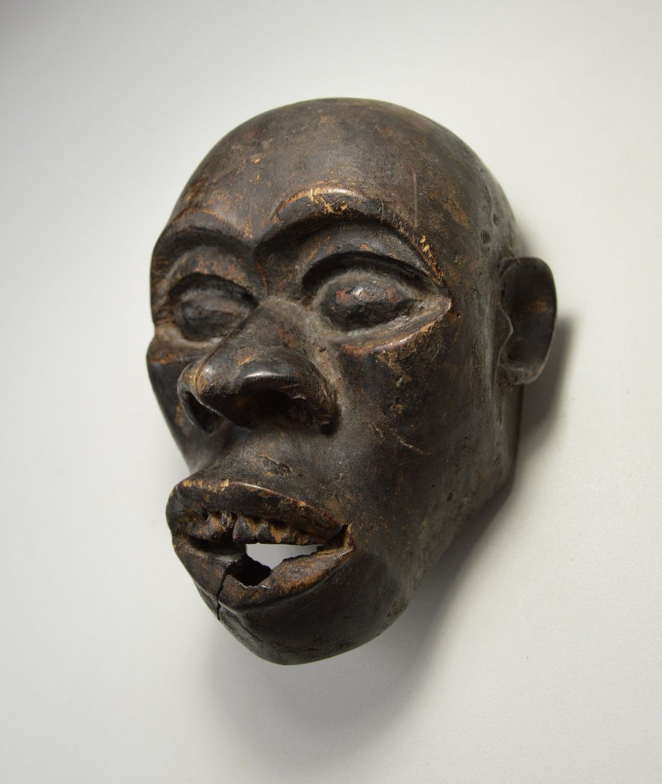 A Rare Old Bulu Monkey Mask, African Art - 4