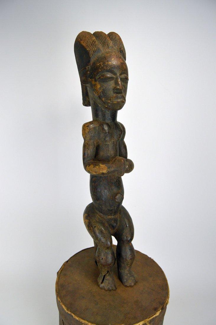 A Fang Byeri Cult figure on Bark Box, African Art - 2