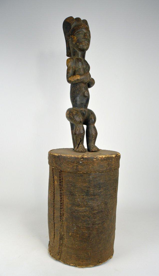 A Fang Byeri Cult figure on Bark Box, African Art - 3