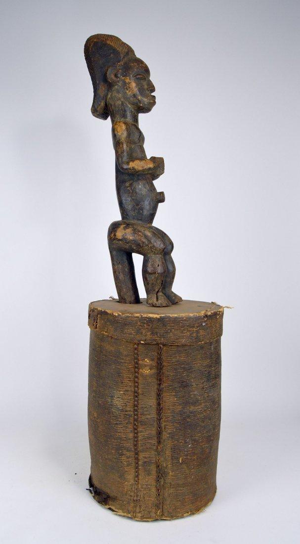 A Fang Byeri Cult figure on Bark Box, African Art - 4
