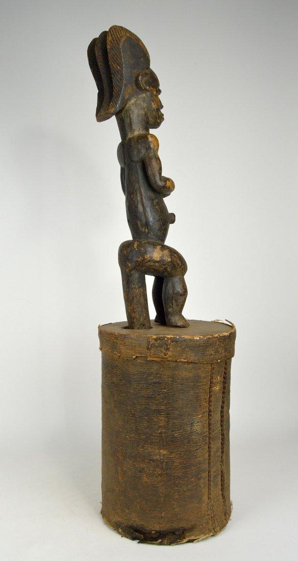 A Fang Byeri Cult figure on Bark Box, African Art - 5