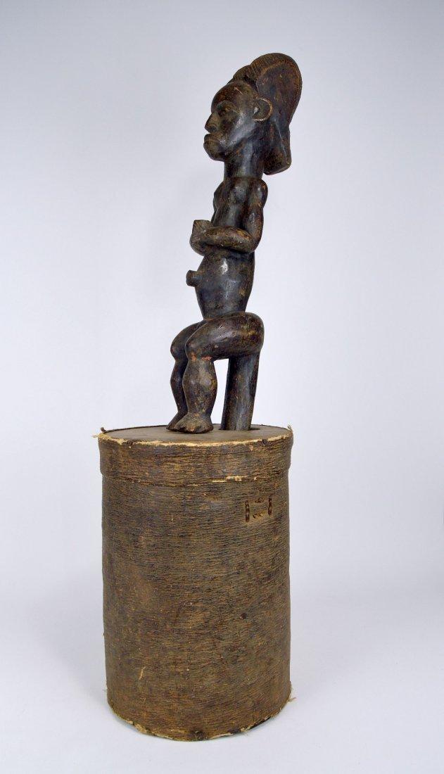 A Fang Byeri Cult figure on Bark Box, African Art - 6
