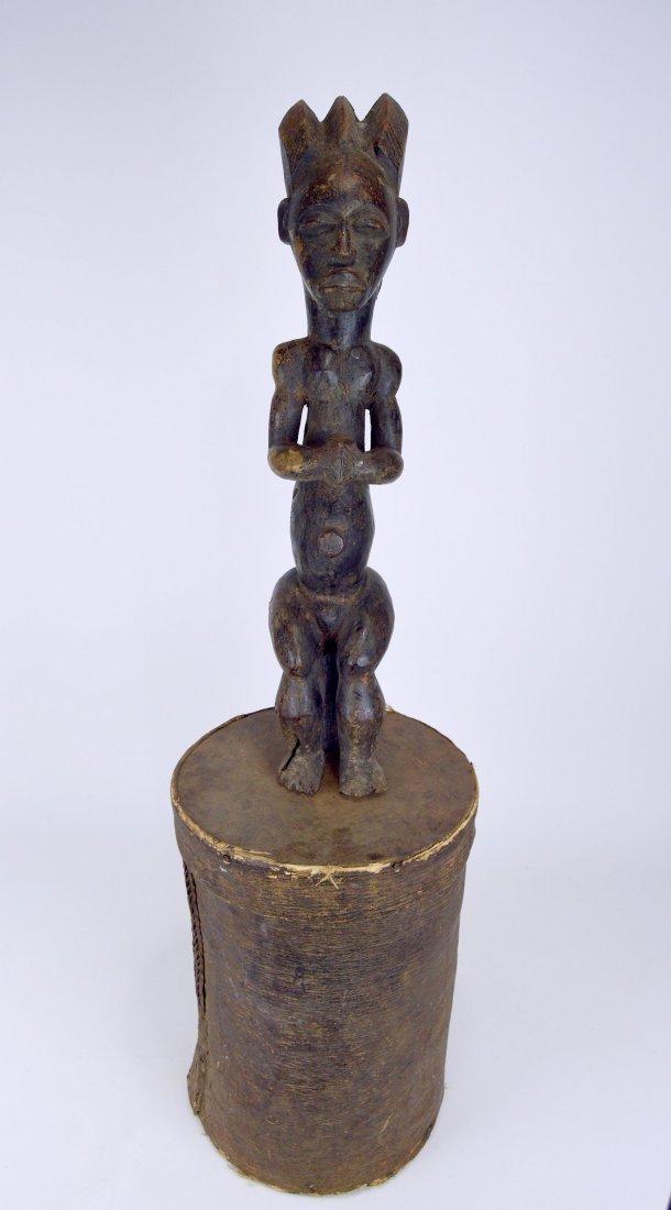 A Fang Byeri Cult figure on Bark Box, African Art - 9