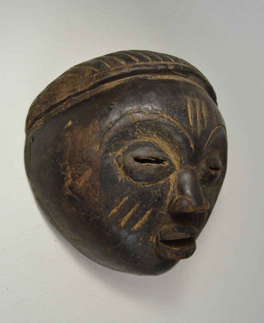 A Charming Lulua mask, African Art - 3