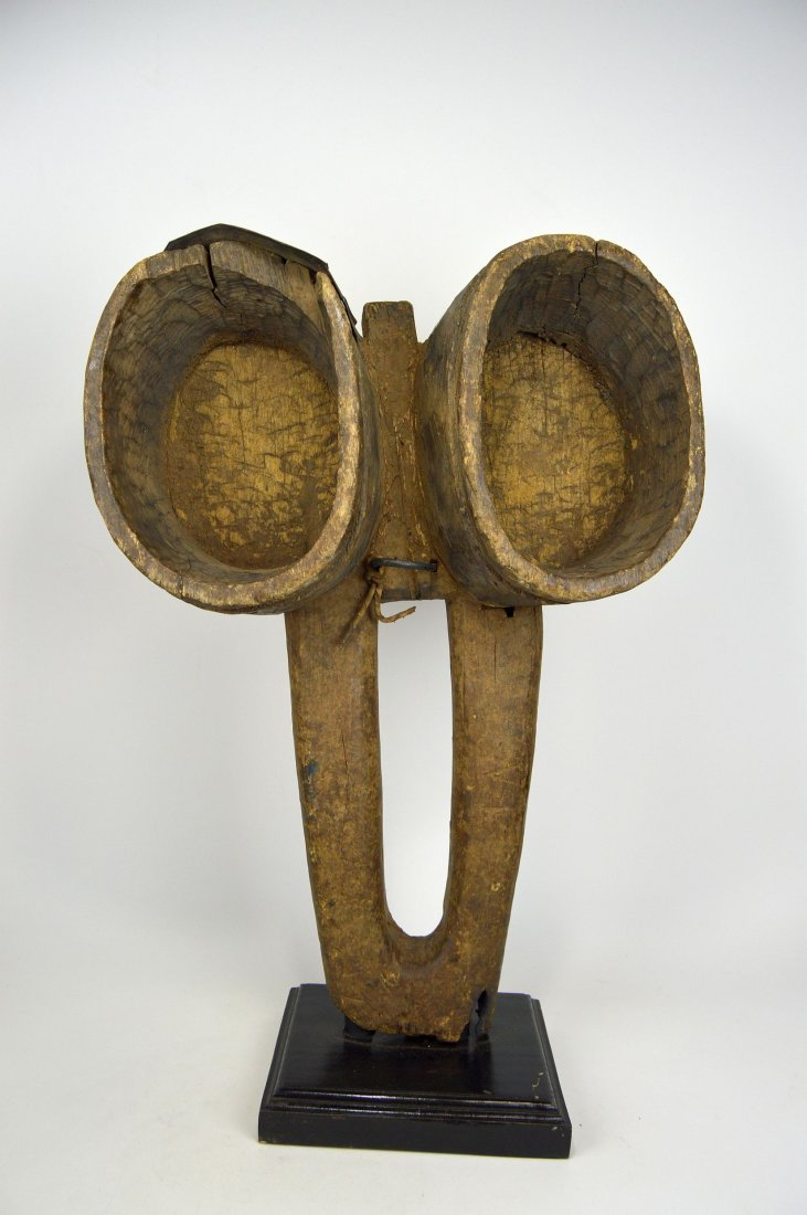 Enormous Old Fang bellows, African Form - 2