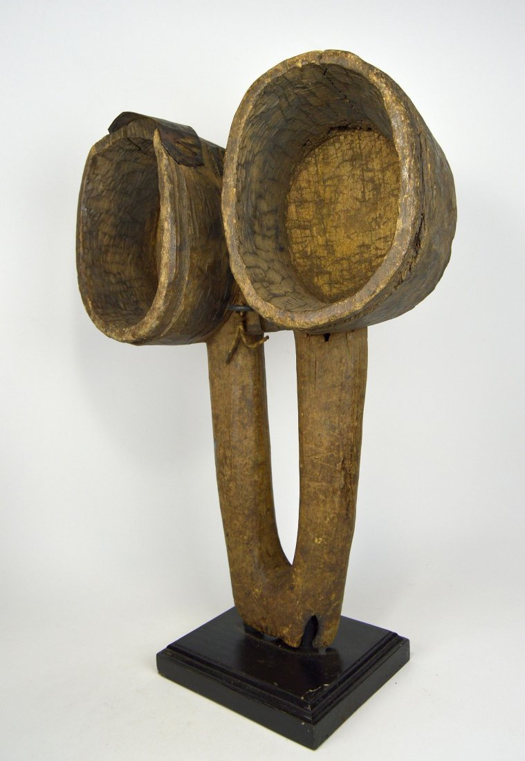 Enormous Old Fang bellows, African Form - 3