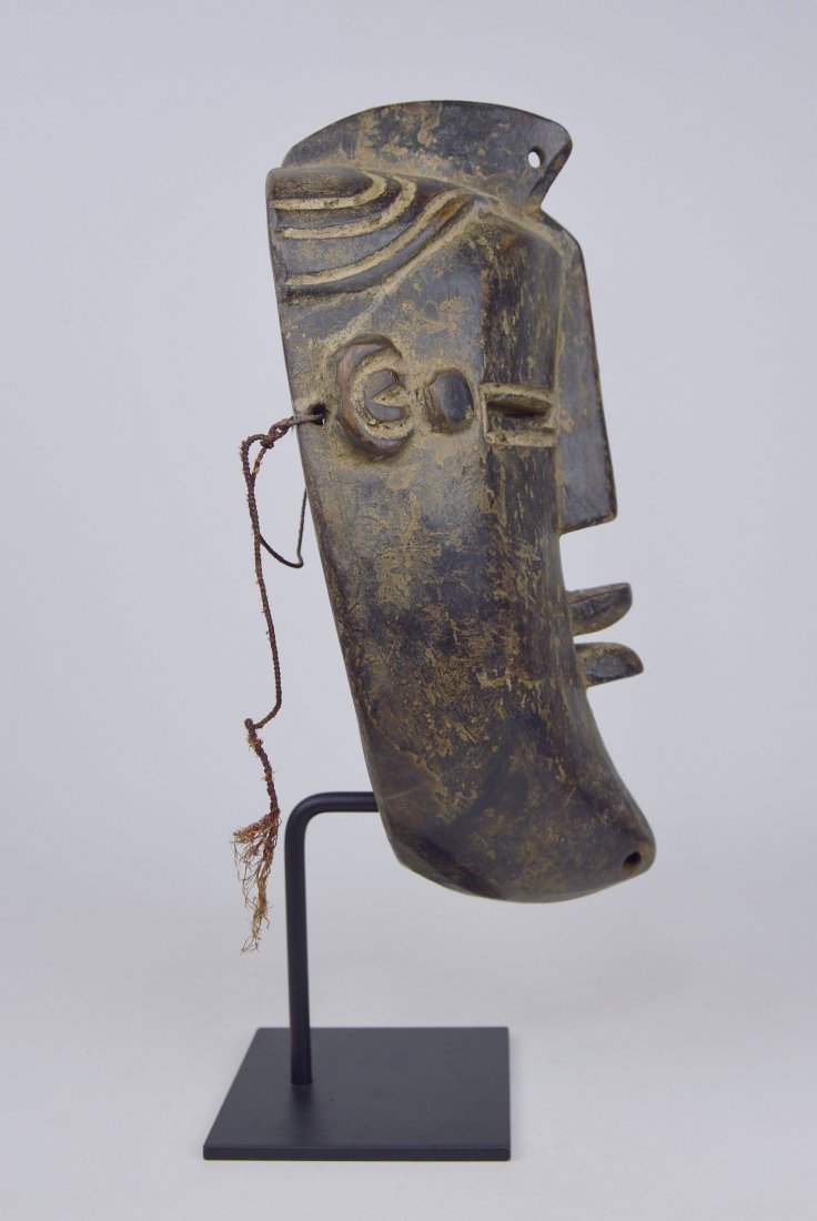 A Vintage Lulua African mask, African Art - 6