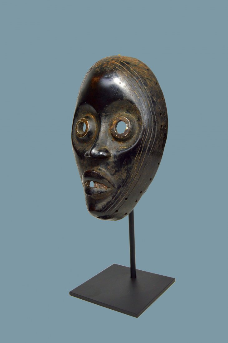 IMPORTANT DAN AFRICAN MASK Ex Museum Collection