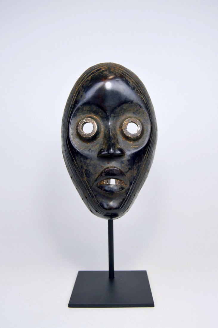 IMPORTANT DAN AFRICAN MASK Ex Museum Collection - 2