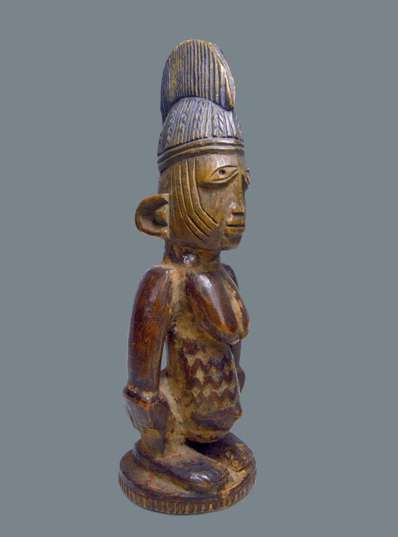 A FINE OLD YORUBA IBEJI TWIN IDOL, AFRICAN ART