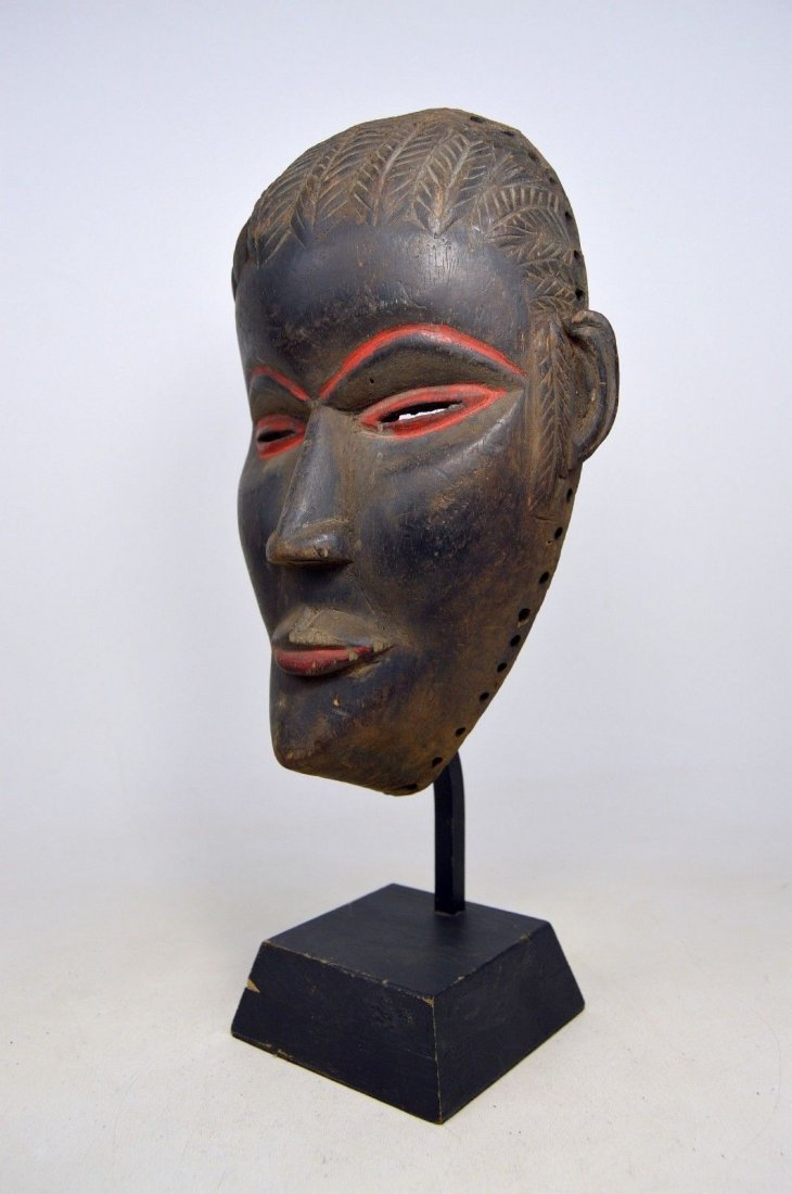 SERENE OLD DAN AFRICAN MASK WITH RED ACCENT - 3