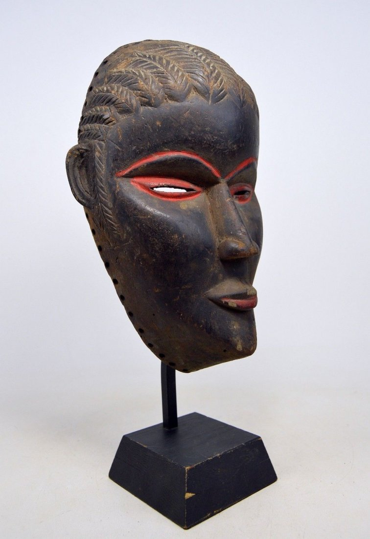 SERENE OLD DAN AFRICAN MASK WITH RED ACCENT - 4