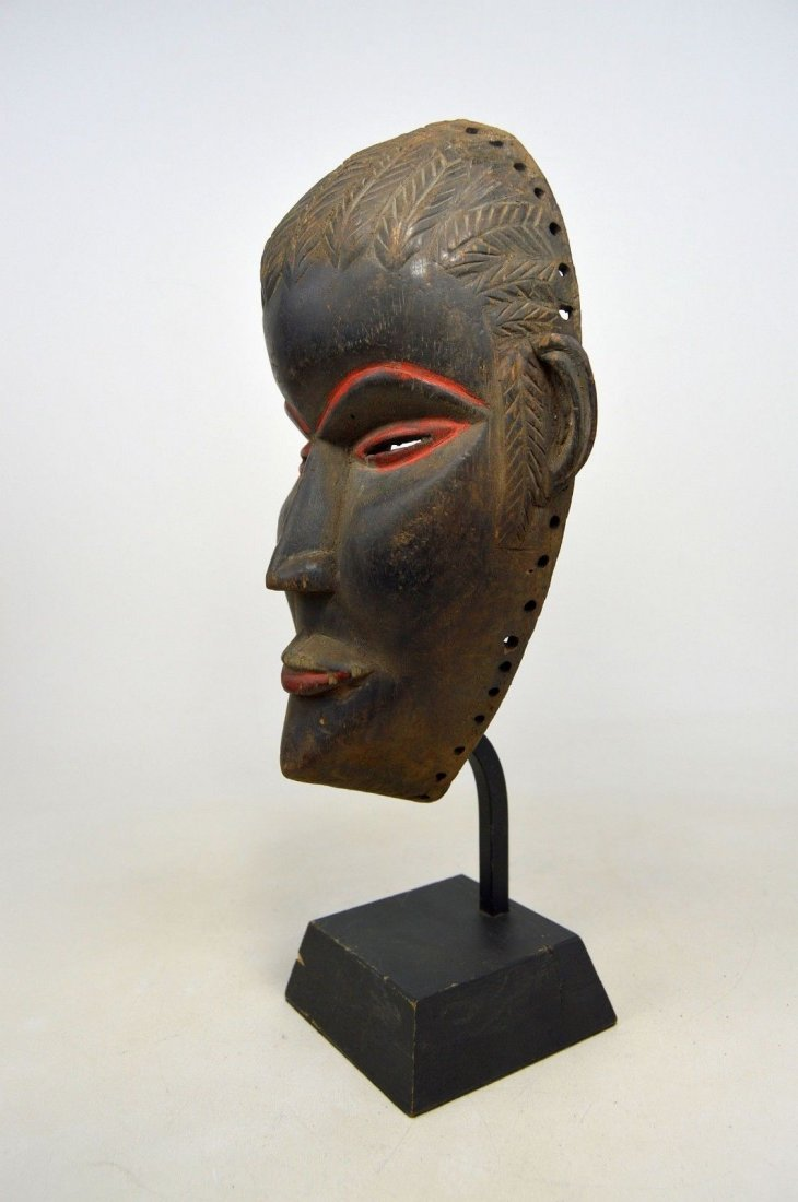 SERENE OLD DAN AFRICAN MASK WITH RED ACCENT - 7