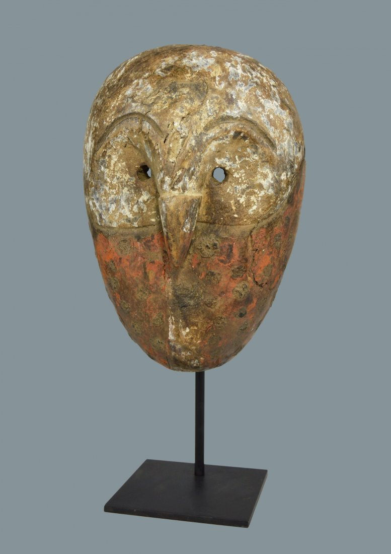 Rare Pere Avian mask collected prior to 1972