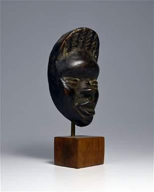 A Dan Passport Mask Ex Galerie Robert Duperrier Paris