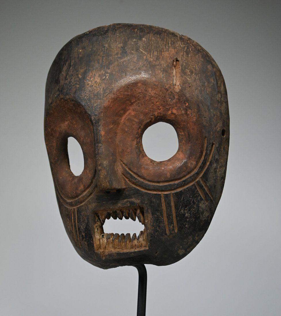 Bold Kumu African mask Ex Jean Pierre Hallet Collection
