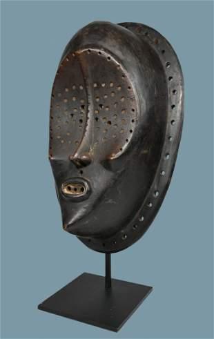 A Lulua Face Mask