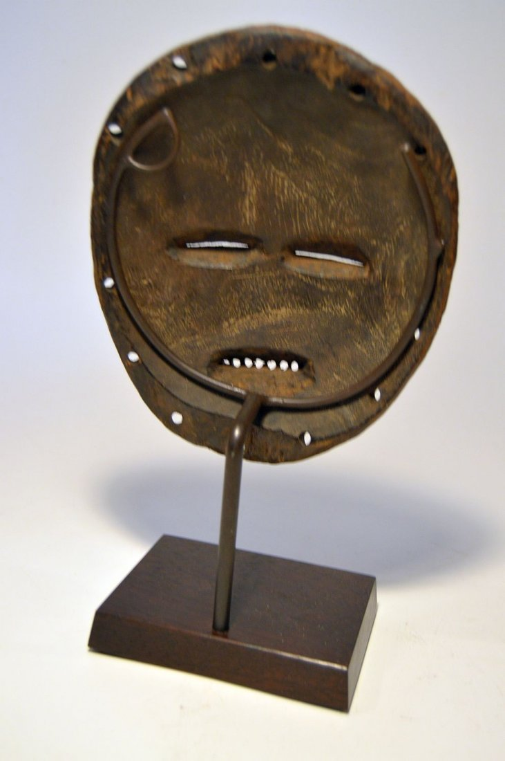 A Fine Chokwe African mask from Angola - 4