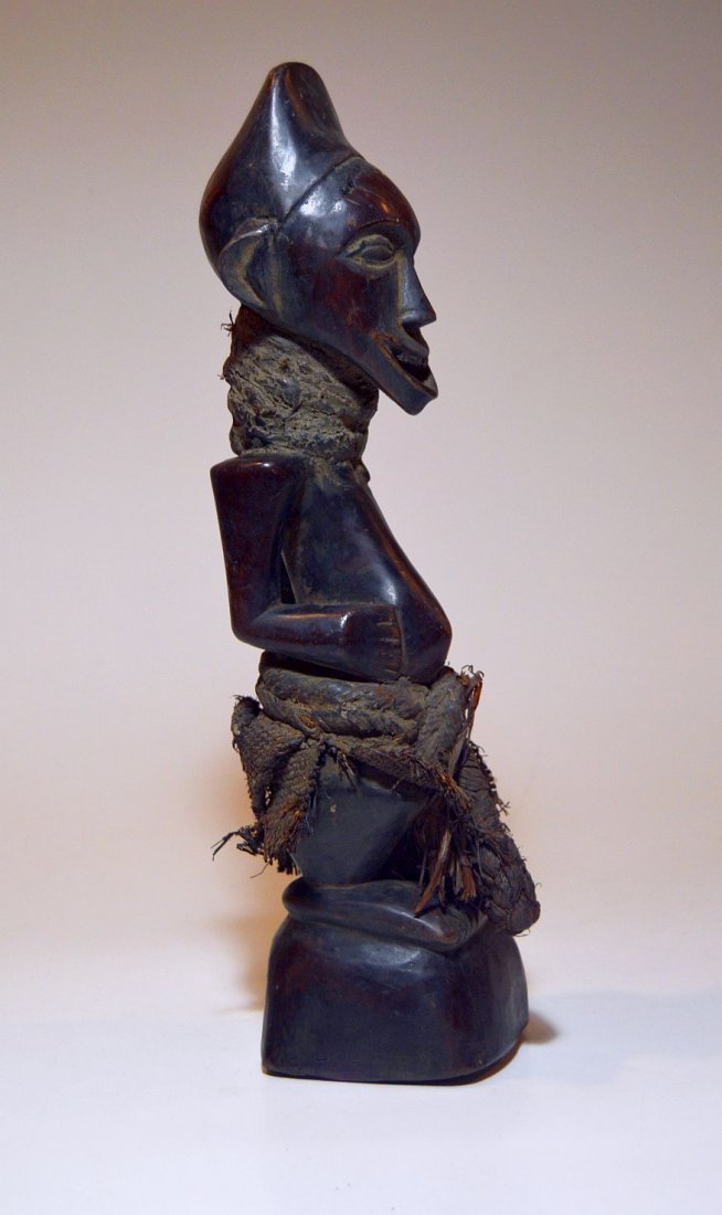 Songye Male sculpture with Wonderful Broad Smile - 3