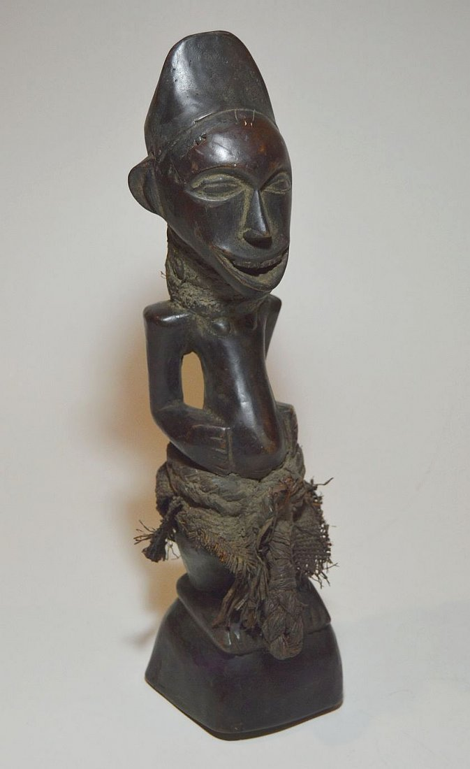 Songye Male sculpture with Wonderful Broad Smile - 5