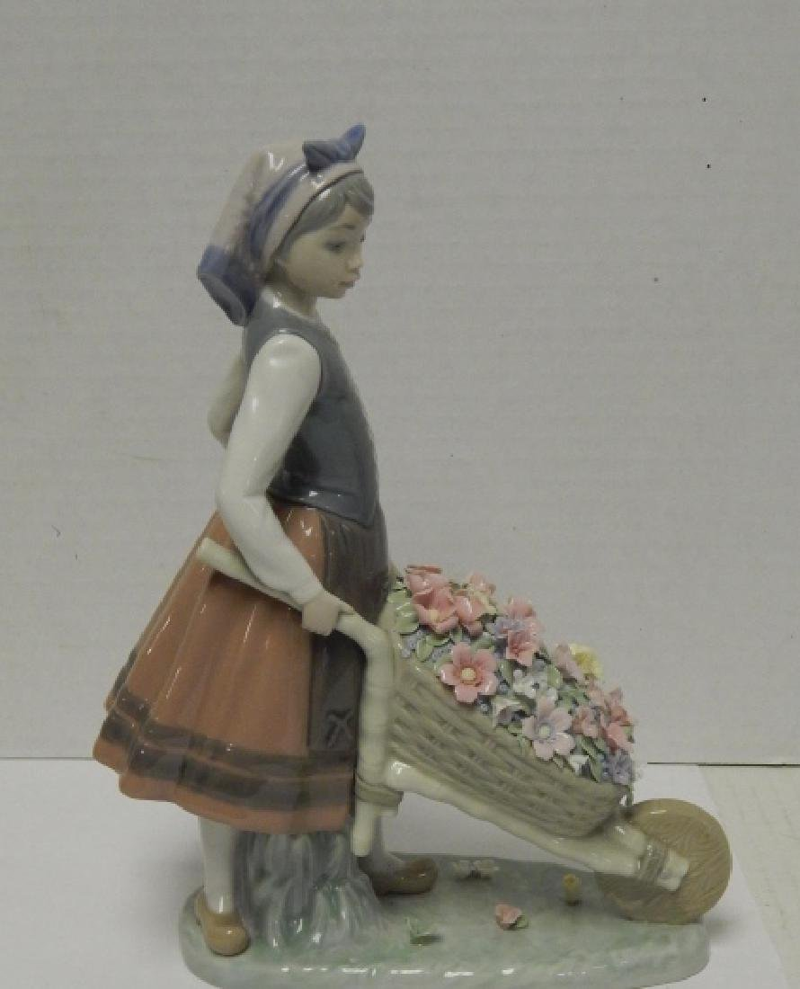 LLADRO #1419 RETIRED PORCELAIN FIGURE - 7