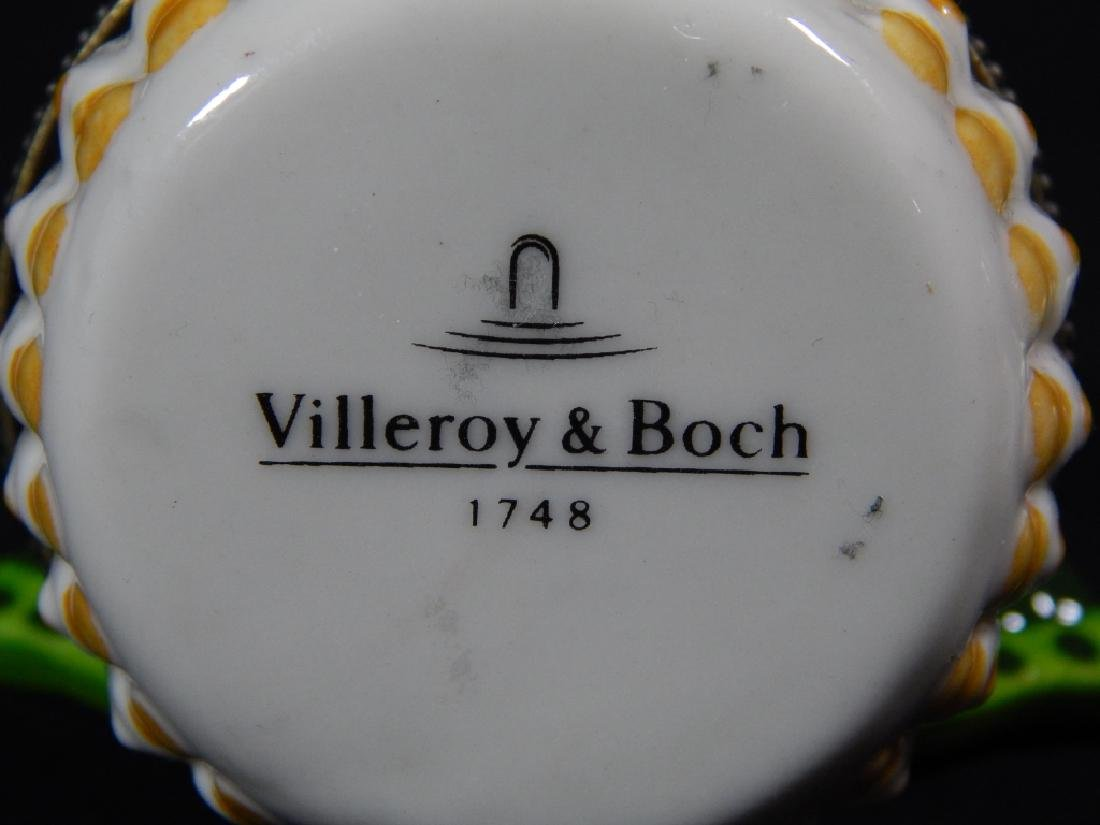 $ TWO PORCELAIN LIMOGES & VILLEROY BOCK PILL BOXES - 6