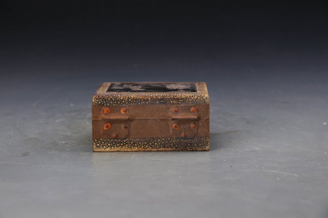 Chinese Lacqure Box With Tea inside L:10cm W:8cm H:5cm - 3