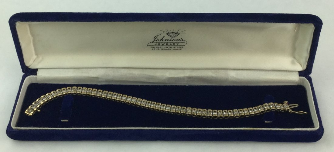 Fabulous 14 KT Gold Bracelet with 1.06 ct Diamonds