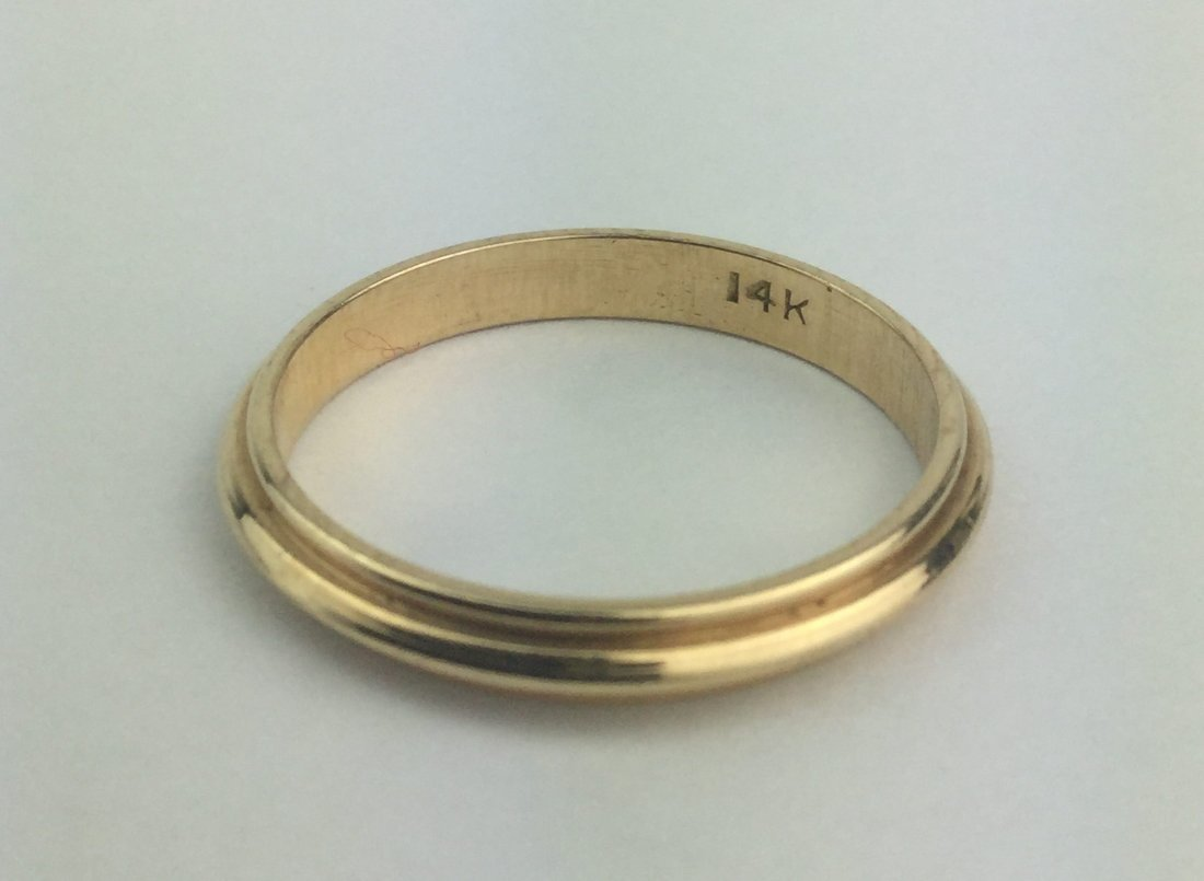 14Kt Yellow Gold Band Ring 2.2 Grams