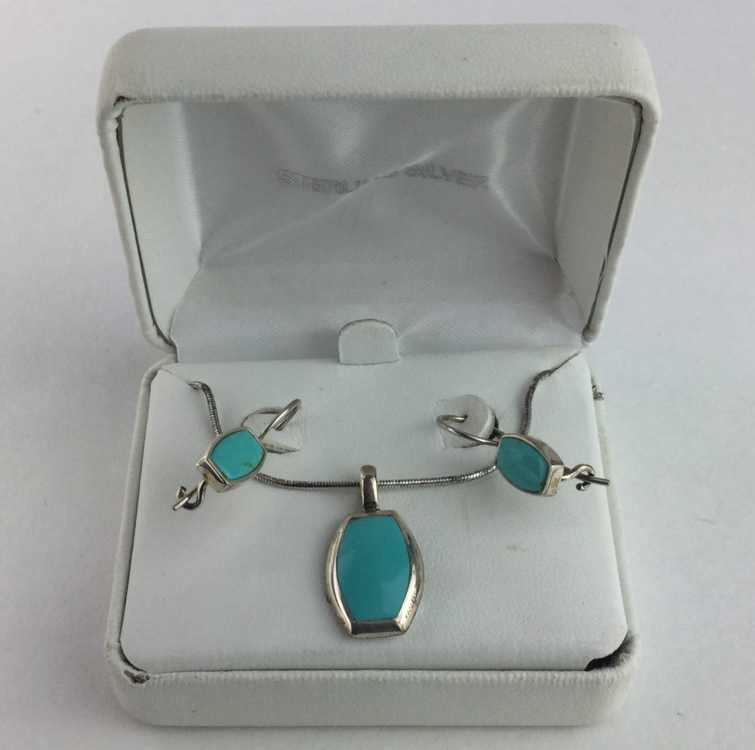 925 Sterling & Turquoise Necklace & Earrings