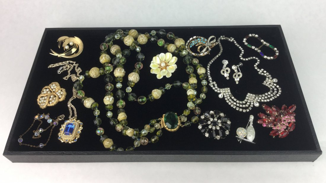 Amazing Vintage Jewelry with Signed Pieces