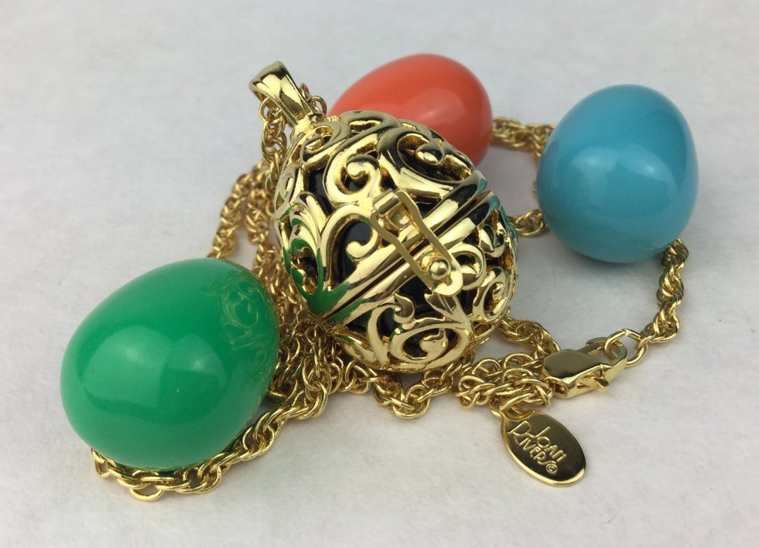 JOANN RIVERS Multi Color Egg Pendant Necklace