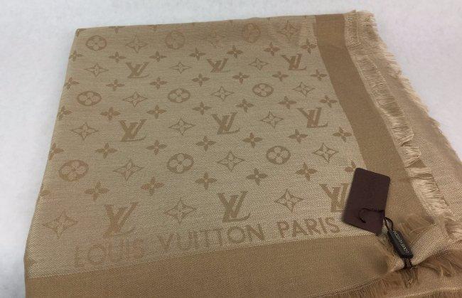 LOUIS VUITTON Monogram LV Scarf