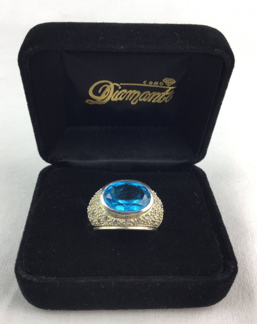 Gorgeous 925 Sterling & Topaz Ring