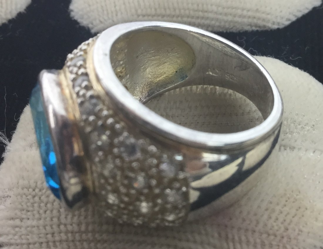 Gorgeous 925 Sterling & Topaz Ring - 2