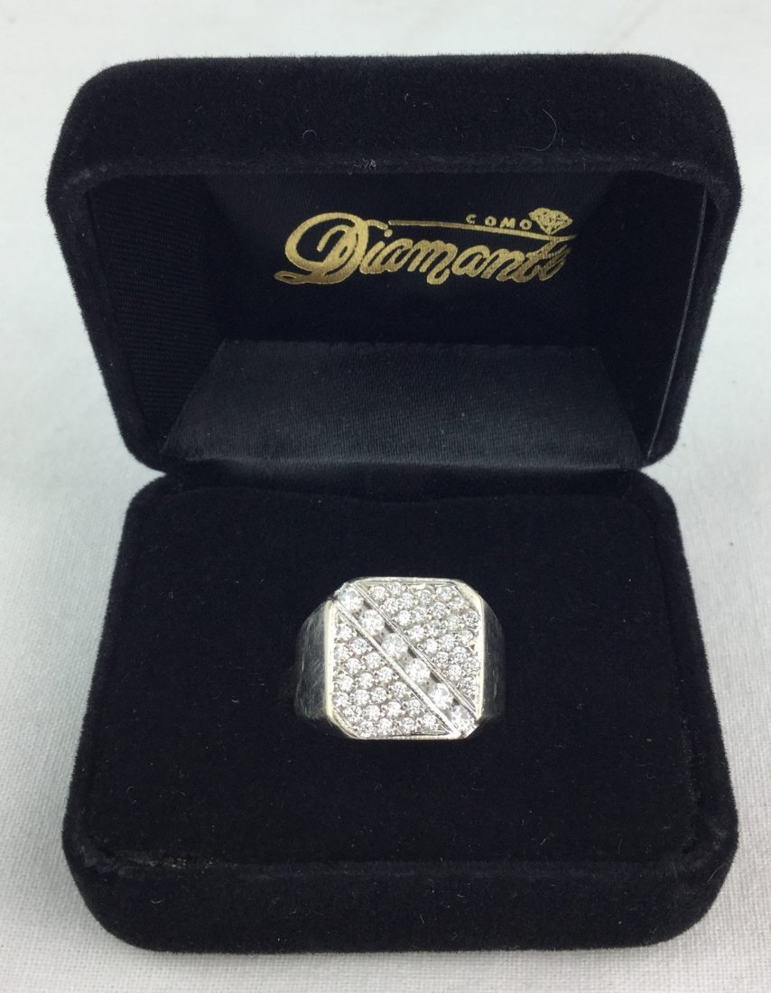 14 KT White Gold Ring with Diamonds Total Weight: 16 gm