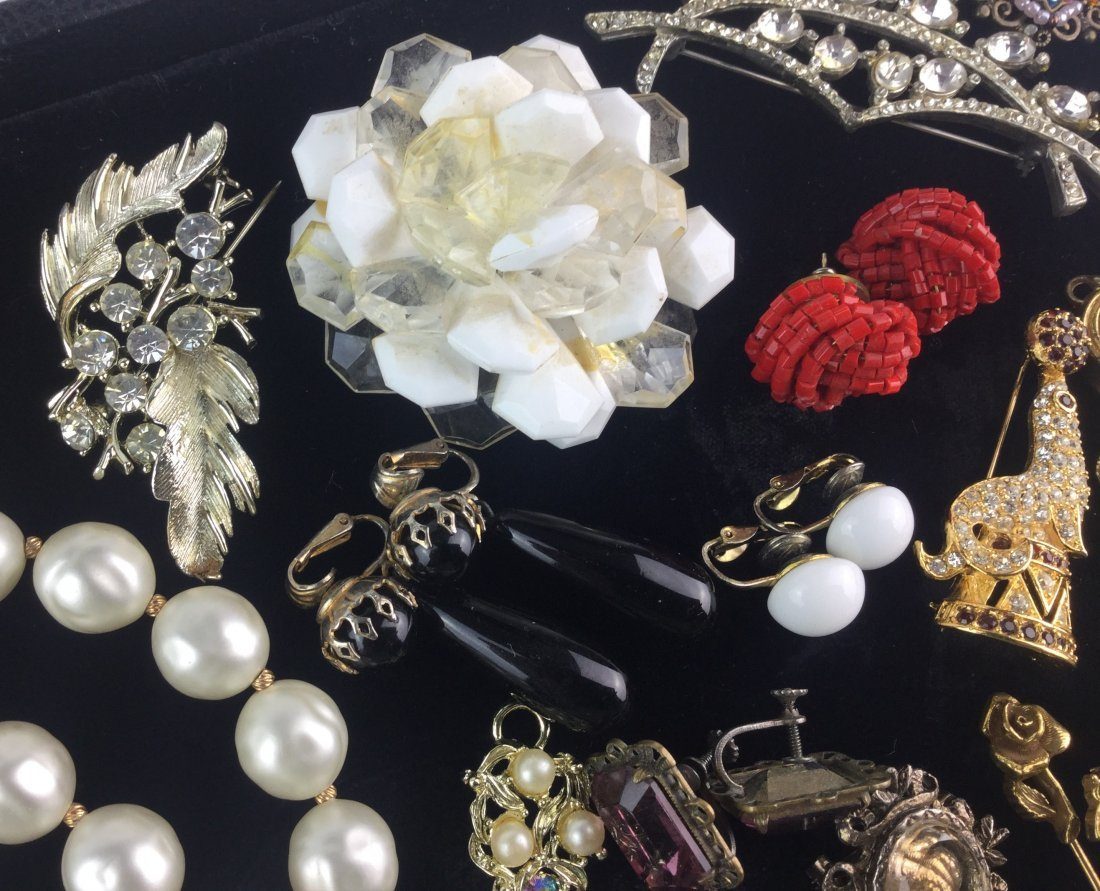 Vintage Estate Jewelry Lot with Signed Pieces - 3