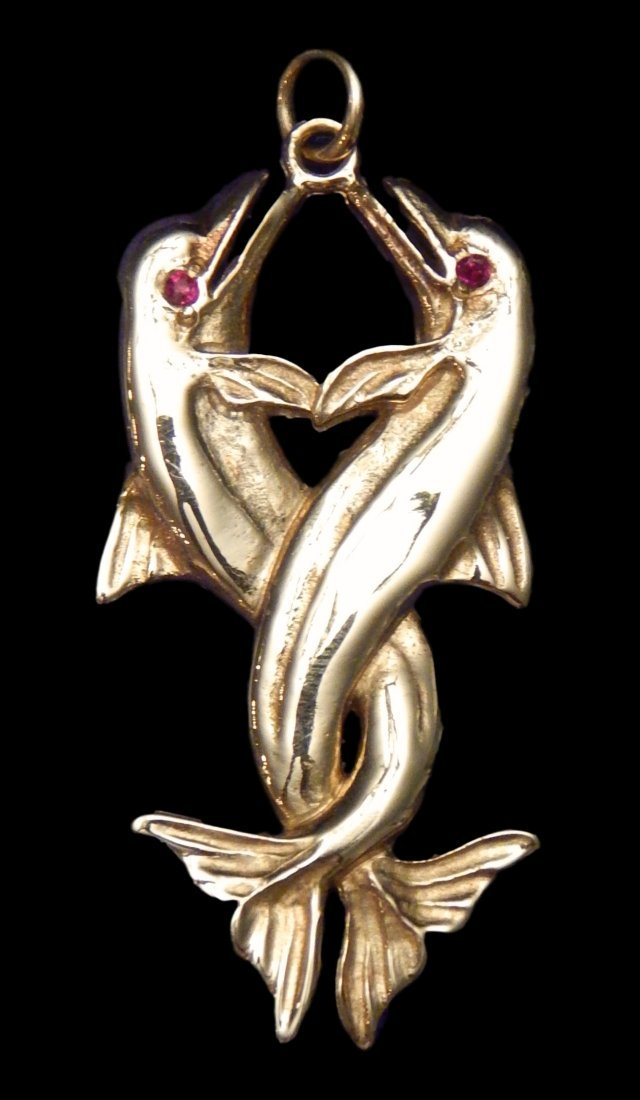 14 KT Gold Dolphin Pendant Total Weight: 19.8 Grams