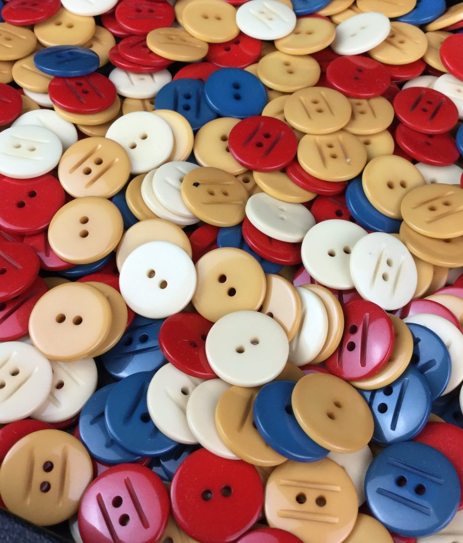 "Vintage Bakelite 3/4"" Button Collection"