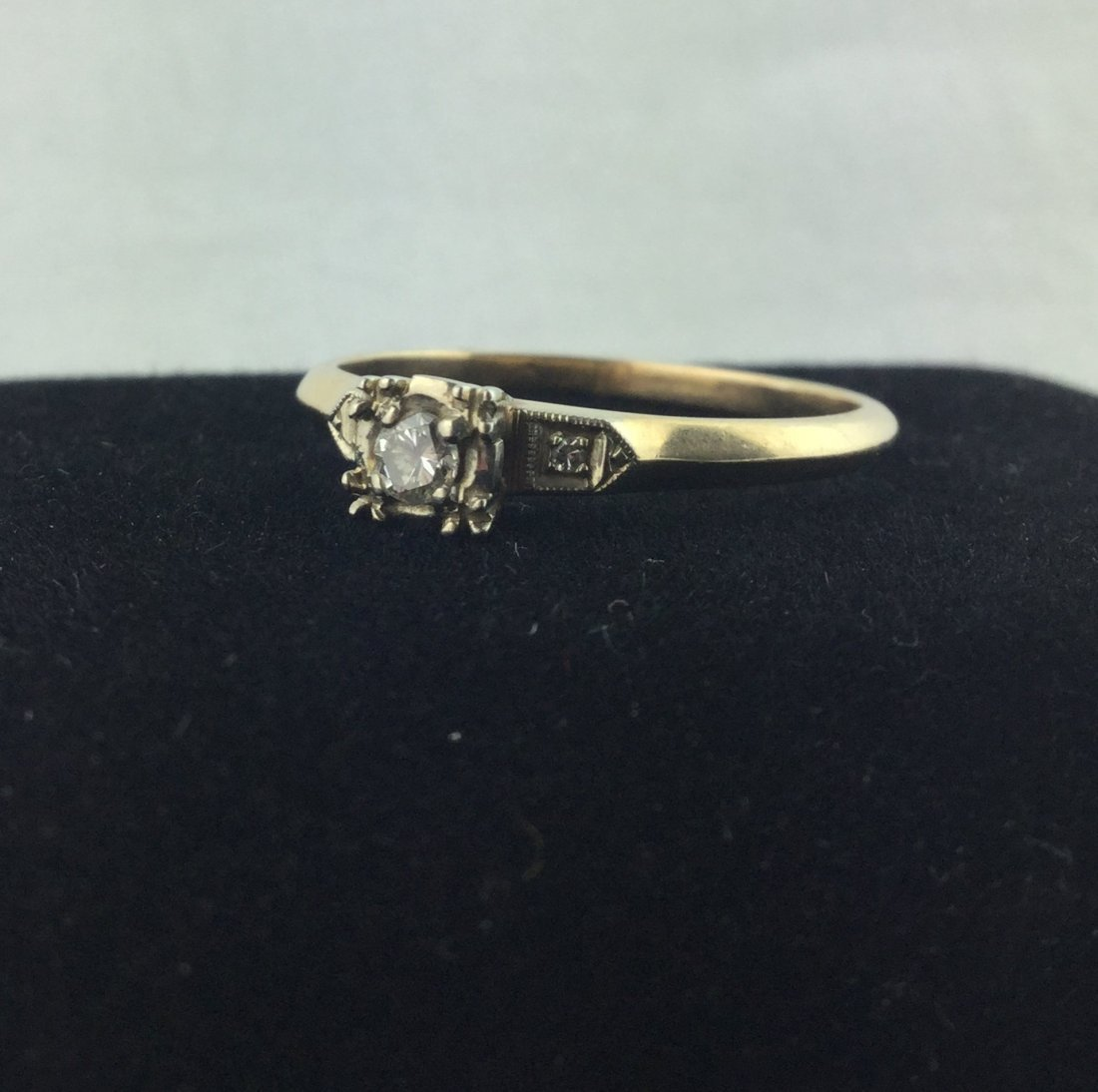 14 KT Gold Ring with .06 ct Diamonds 2.2 gm - 2