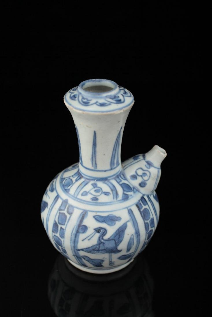 A Hatcher collection blue and white ewer, c. 1640,