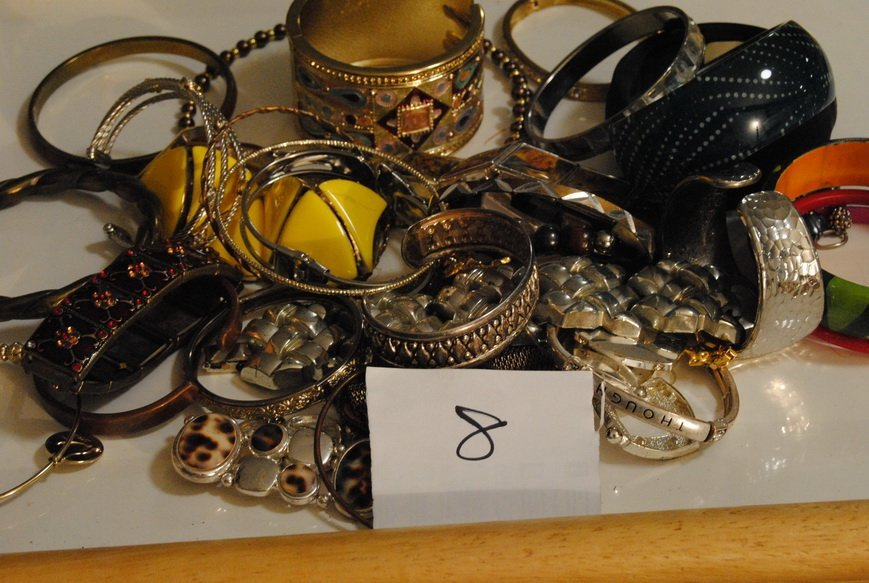 2LB BRACELET & BANGLE ASSORTED JEWELRY LOT# 8 - 5