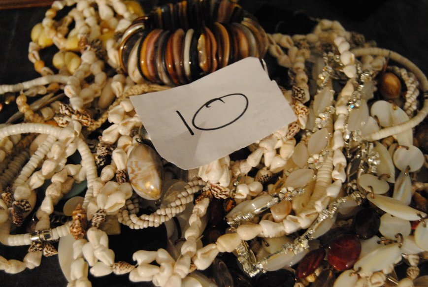 2LB ASSORTED SHELL JEWELRY LOT# 10 - 6