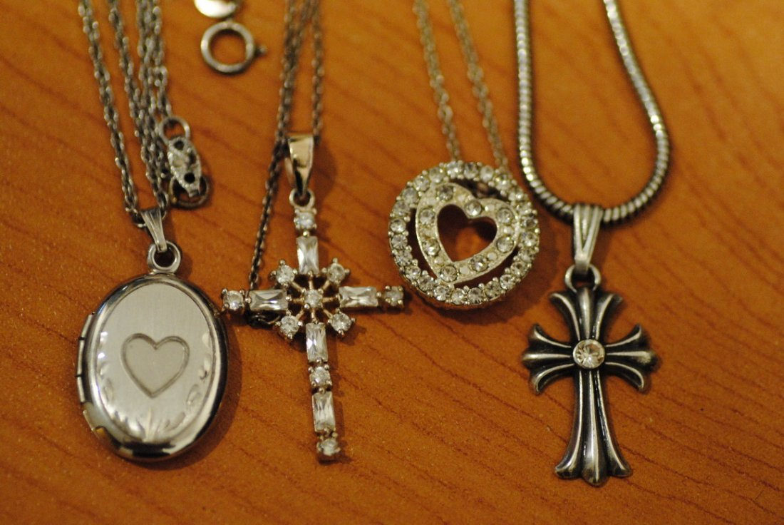 6 STERLING/925 NECKLACES & PENDENTS 35g