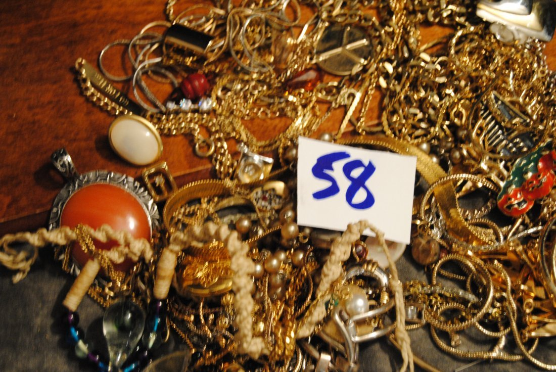 2lb 2oz LOT OF UNSORTED COSTUME,925,GOLD TONE - 6